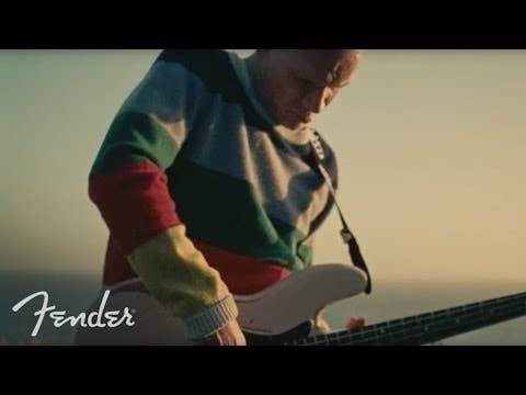 Fender Flea Signature Jazz Bass w/Deluxe Gigbag - Roadworn Shell Pink