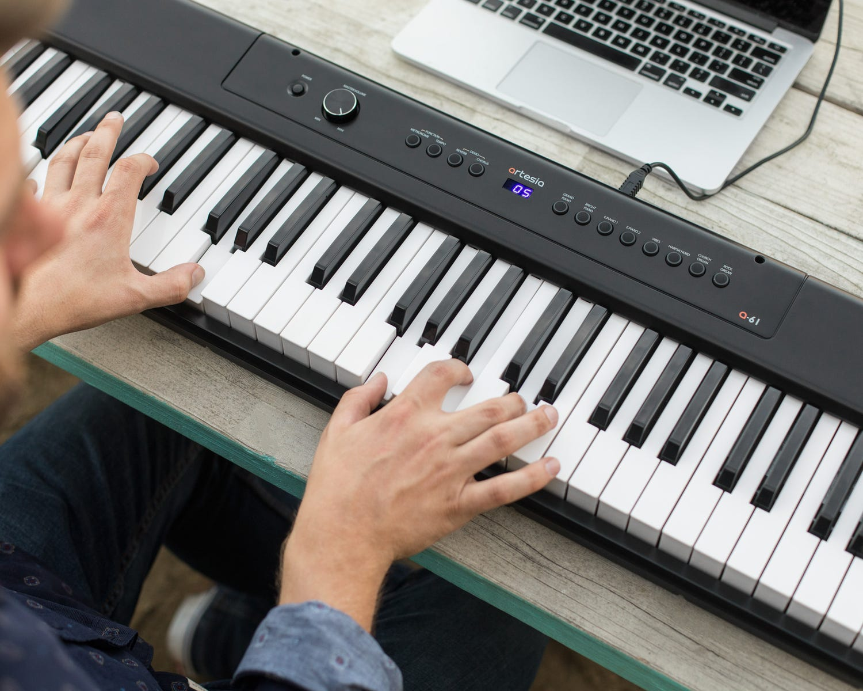 Artesia Pro A-61 BK 61-note Portable Digital Piano - Black
