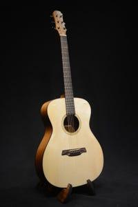 Maestro Cardinal VICTORIA MH Acoustic Electric Guitar w/Gigbag
